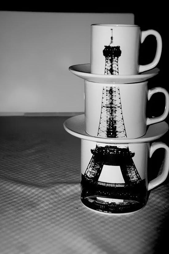 Một bộ cốc in hình tháp Eiffel độc đáo, ngoài công năng của một chiếc cốc bình thường ra thì nó còn là một vật decor rất đẹp mắt.