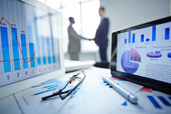 Việc đọc và phân tích tín hiệu thị trường được xem như là hình thức bậc hai của việc phân tích đối thủ cạnh tranh.