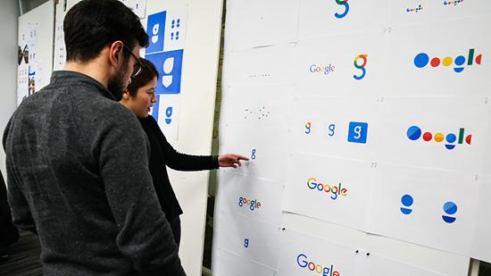 Vào đầu năm nay, các nhà thiết kế của cả công ty đã tề tựu tại New York để chuẩn bị cho một dự án lớn, đầy căng thẳng và diễn ra trong chỉ một tuần. Mục tiêu là nhằm tạo ra một bộ nhận diện thương hiệu mới mới cho Google, và nó cần phải đáp ứng các tiêu chí sau: