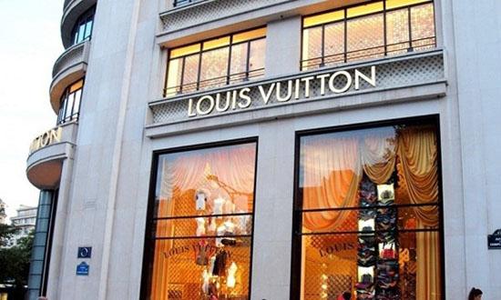 Tại sao thương hiệu xa xỉ Louis Vuitton không bao giờ giảm giá?