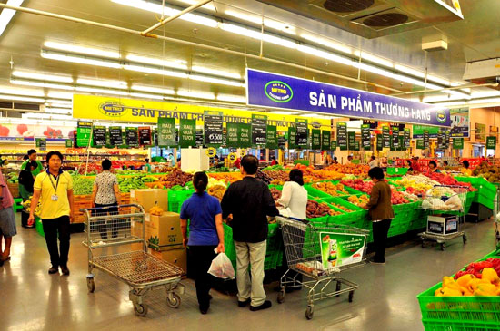 Đầu tư vào Metro Việt Nam chính là bước đi trước của ông Charoen Sirivadhanabhakdi trong cuộc cạnh tranh giành thị trường bên ngoài nước Thái với Central Retail