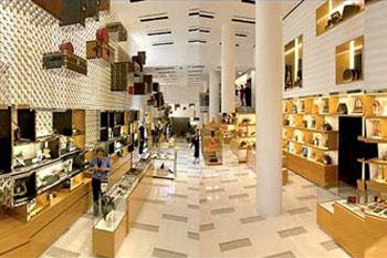 Vì sao thương hiệu xa xỉ Louis Vuitton không bao giờ giảm giá?
