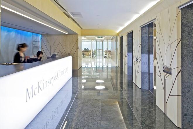 McKinsey & Company là một công ty tư vấn quản lý trên toàn thế giới. Họ tiến hành phân tích định tính và định lượng nhằm đánh giá các quyết định quản lý trên các lĩnh vực công cộng và tư nhân