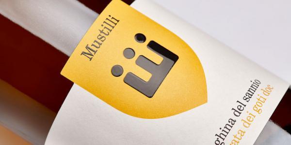 Mustilli là một công ty rượu vang có lịch sử lâu đời tại Sant'Agata de 'Goti, Ý.
