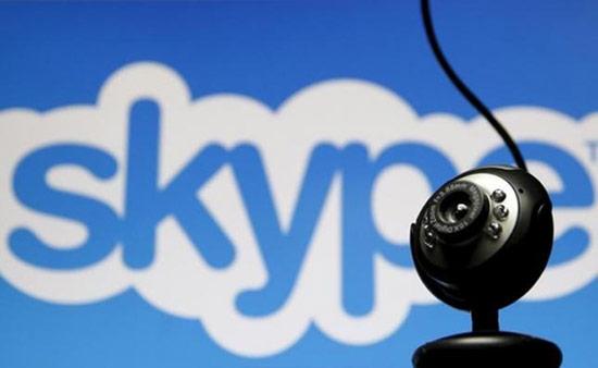 Skype là tên viết tắt của Sky Peer – to – peer, ban đầu được rút gọn thành Skyper, cuối cùng mới thành Skype
