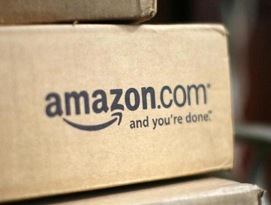 Nhà sáng lập Jeff Bezos được cho là muốn một cái tên bắt đầu bằng A để đứng gần đầu trong danh sách xếp theo bảng chữ cái. Ông cũng muốn đặt theo tên con sông lớn nhất thế giới, với hy vọng doanh nghiệp của mình cũng là lớn nhất.