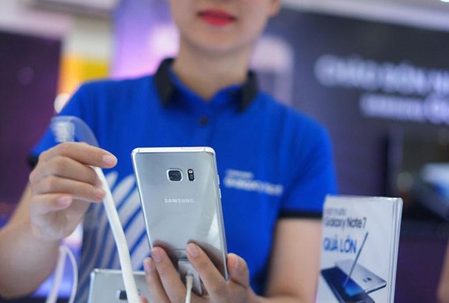 Chính sách đổi trả Galaxy Note7 của CellphoneS được đánh giá tốt tương đương nhà mạng Mỹ, nghĩa là cho phép khách hàng được hoàn tiền 100%.