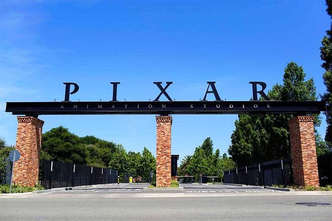 Câu chuyện ra đời kỳ lạ của Cây đèn Luxo Jr – Biểu trưng thương hiệu Pixar