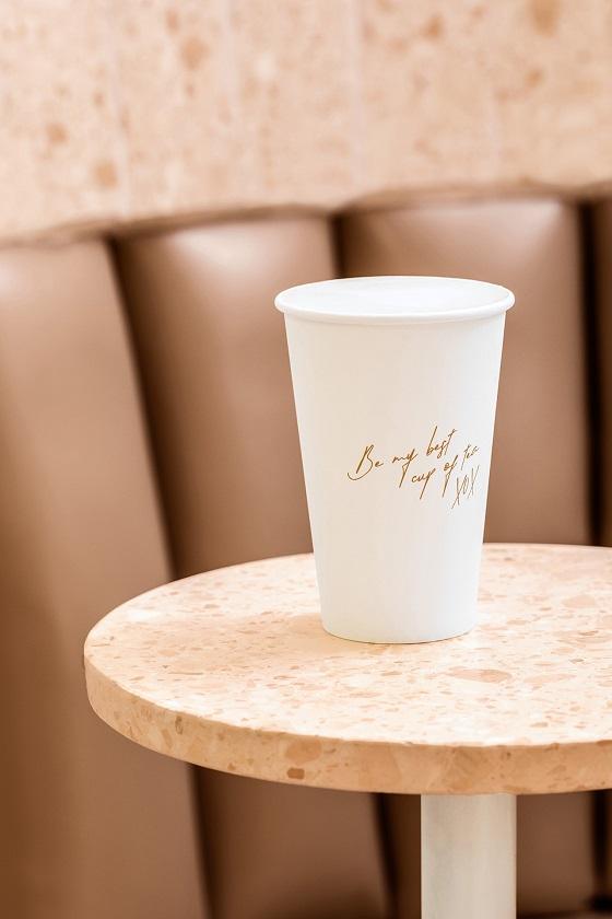 Hình ảnh nhận diện dịu dàng của tiệm trà Ambrosia