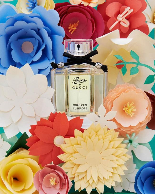 Xu hướng thiết kế đồ họa sáng tạo với hoa cỏ In Full Bloom