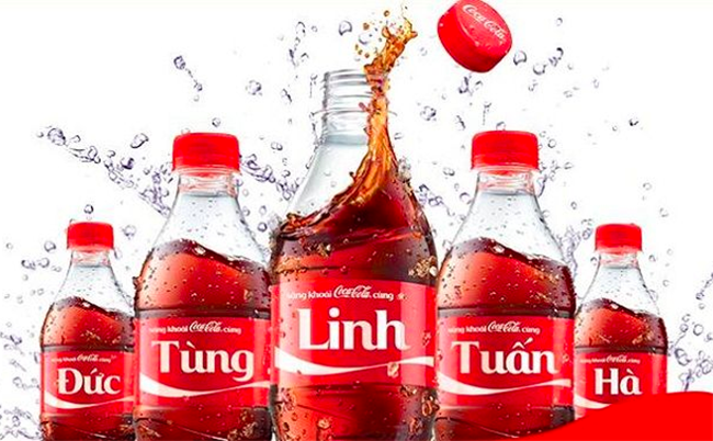"""Mẫu thiết kế bao bì vỏ chai """"đậm chất thơ"""" của Coca Cola"""